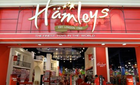 Spend 350 and get a gift voucher worth AED 100 Offer at Hamleys, August 2017