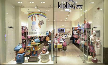 Spend 500 And get voucher of AED 100 Offer at Kipling, August 2018